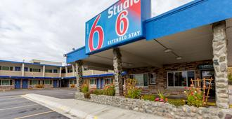 Motel 6 Missoula - University - Missoula - Building