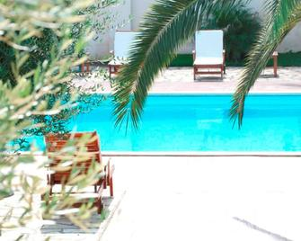 Villa Hermosa Resort - Porto Cesareo - Bể bơi