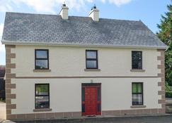 Garadice View Farm House - 6 Bed accommodation - Ballinamore - Building
