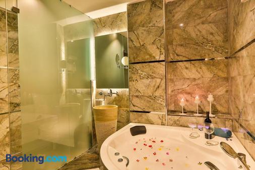 Hotel Belezza - Istanbul - Bathroom