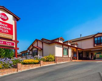 Best Western Plus Humboldt House Inn - Garberville - Building