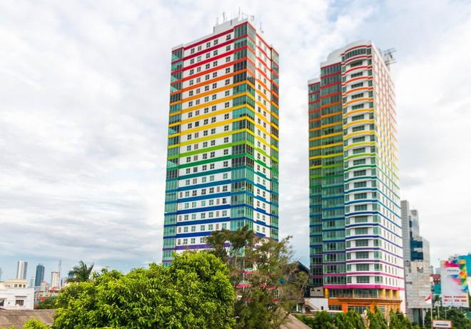 Twin Plaza Hotel - West Jakarta - Edificio