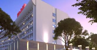 Hotel Elmi Surabaya - סוראבאיה - בניין