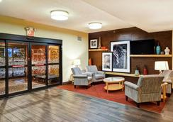 Hampton Inn Louisville-Arpt-Fair/Expo Ctr - Louisville - Lounge
