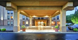 Hampton Inn Louisville-Arpt-Fair/Expo Ctr - Louisville - Bina