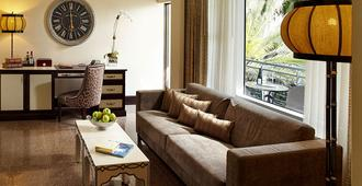 National Hotel, An Adult Only Oceanfront Resort - Miami Beach - Living room