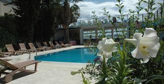 Cemre 酒店 - 波德倫 - 博德魯姆 - 游泳池