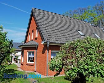 Pension mit Fruehstueck im Ostseebad - Ostseebad Baabe - Building