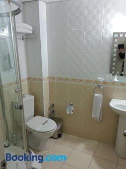 May Hotel - Istanbul - Bathroom