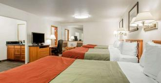 Rodeway Inn - Newport - Bedroom