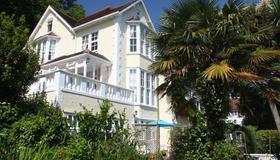 The Charterhouse - Torquay - Toà nhà