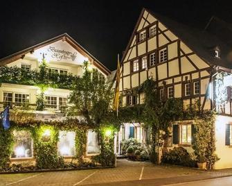 Brauneberger Hof Hotel Landidyll - Brauneberg - Gebäude
