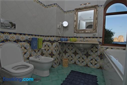 Diva La Canzone Del Mare - Capri - Bathroom
