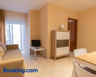 Apartamentos Costamar - Calafell - Living room