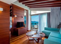 Horizon Blu Boutique Hotel - Kalamata - Living room