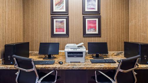 Best Western Plus Hobby Airport Inn & Suites - Houston - Centro de negocios