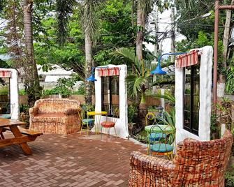 Gabby's Bed and Breakfast - Dumaguete City - Βεράντα