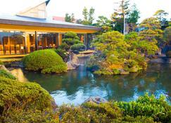 Hotel Sekitei - Fuefuki - Näkymät ulkona