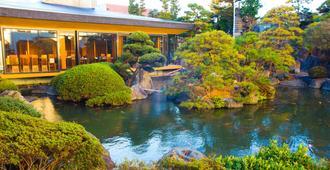 Hotel Sekitei - Fuefuki - Extérieur