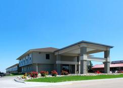 Econo Lodge Inn and Suites - Kearney - Κτίριο