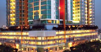 Cambridge Hotel Medan - Medan - Rakennus