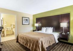 品質套房酒店 - 法蘭克林 - 富蘭克林 - 臥室