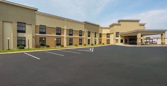 Clarion Inn & Suites - Evansville