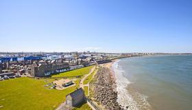 Holiday Inn Express Aberdeen City Centre - Aberdeen - Outdoors view