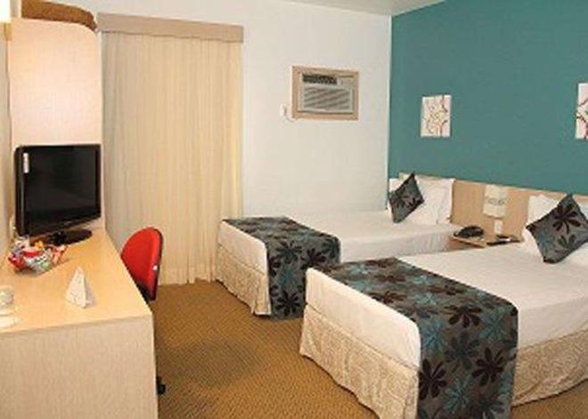 若茵維萊凱富酒店 - 茹安維爾 - 茹安維爾 - 臥室
