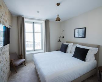 Hôtel Le Chantilly - Chantilly - Bedroom