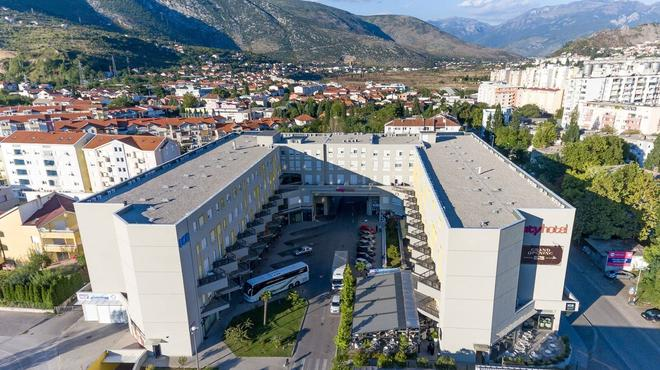 City Hotel Mostar - Mostar - Outdoor view