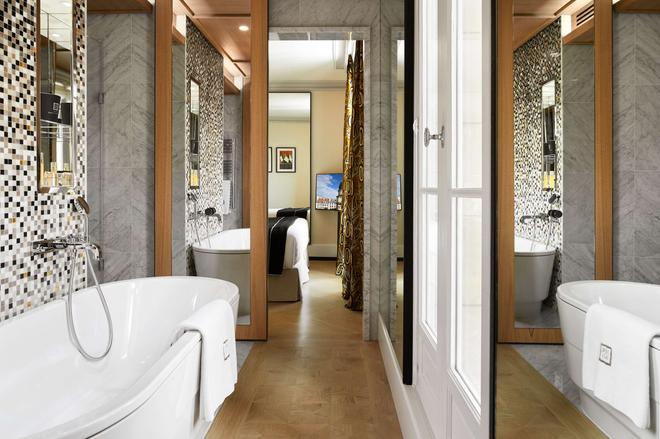 Hotel Montalembert - Paris - Bathroom