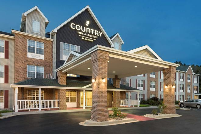 斯康辛州密爾沃基機場卡爾森鄉村套房酒店 - 密爾瓦基 - 密爾沃基 - 建築