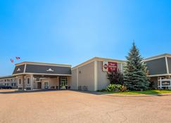 Best Western Plus Mariposa Inn & Conference Centre - Orillia - Building