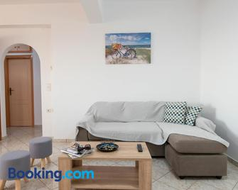Manolis Apartments - Skaleta - Living room