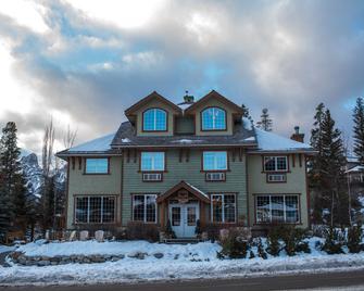 Creekside Villa - Canmore - Building
