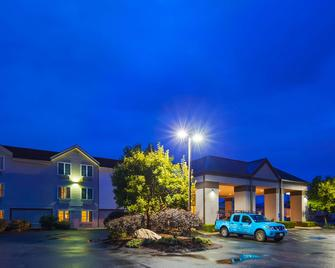 Best Western Hartford Hotel & Suites - Hartford - Building
