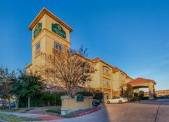 La Quinta Inn & Suites by Wyndham Houston Energy Corridor - Houston - Edificio