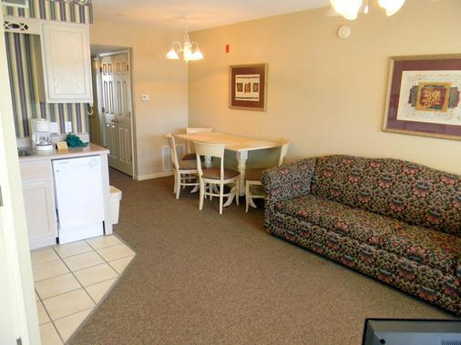 Carriage Place by Capital Vacations - Branson - Bedroom