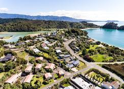 Kaiteri Motels and Apartments - Kaiteriteri - Outdoors view