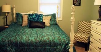 The Barnabas House Bed & Breakfast - Branson - Bedroom