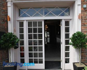 Old Bull Inn - Royston - Gebouw