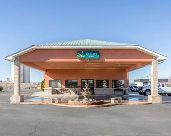 Quality Inn Delta Gateway to Rocky Mountains - Delta - Building