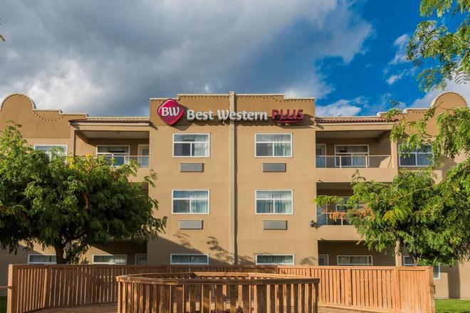 Best Western Plus Sunrise Inn - Osoyoos - Rakennus