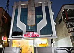 Hotel Pearl - Navi Mumbai - Building
