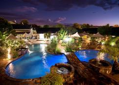 Arebbusch Travel Lodge - Windhoek - Piscine