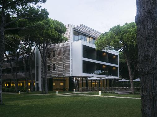 Hotel Mediterraneo - Jesolo - Toà nhà
