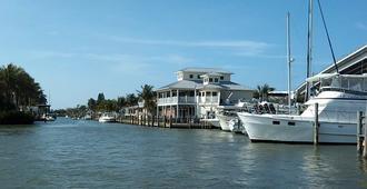 Matanzas Inn - Fort Myers Beach - Outdoor view
