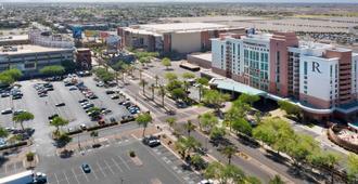 Renaissance Phoenix Glendale Hotel & Spa - Glendale - Outdoor view