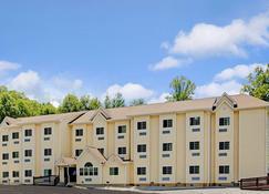 Microtel Inn & Suites by Wyndham Bryson City - Брайсон-Сити - Здание